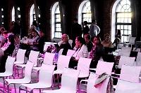 Fotografia eventowa - Fashion Designer Awards - przygotowanie krzeseł