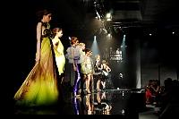 Fotografia mody: pokaz Georges Chakra, modelki podczas finału
