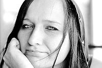 Sesja zdjeciowa: Portret Justyny, wersja czarnobiała