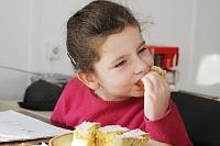Fotografia dzieci: Trzeba coś zjeść